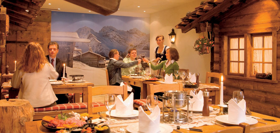 Switzerland_Klosters_Hotel-Silvretta-Park_Fondue-restaurant.jpg